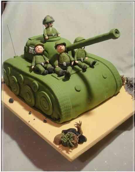 """Торт на праздник  № 576 """"Три танкиста"""""""