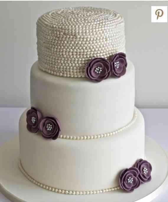 """Торт свадебный № 583 """"Свадебные фиалки"""""""