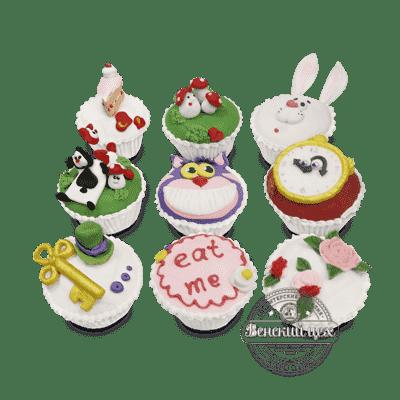 """Капкейки на день рождения набор №1 """"Алиса в стране чудес"""""""