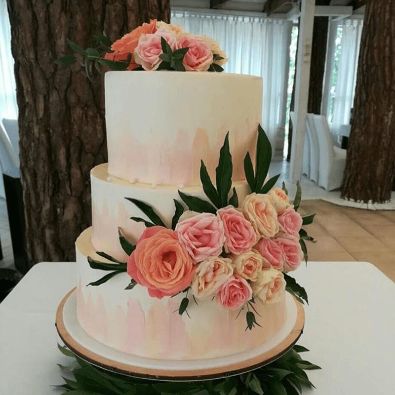 Торт свадебный с живыми цветами №2004