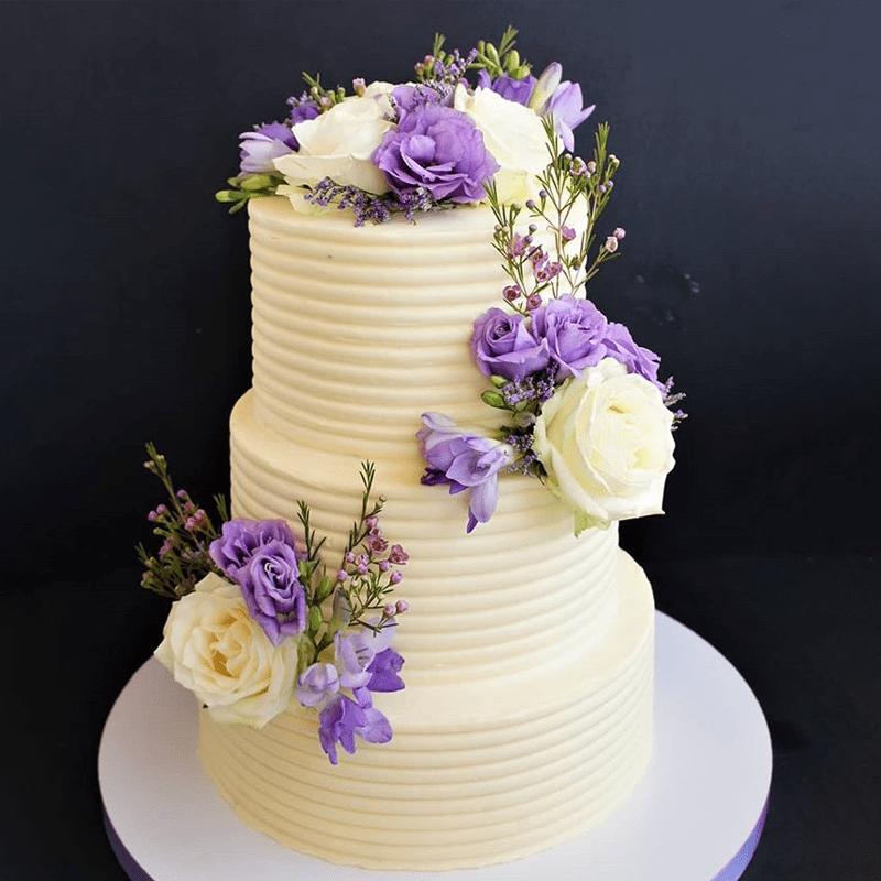 Торт свадебный с живыми цветами №2012
