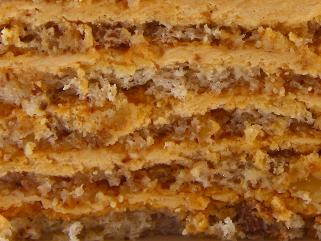 АПШЕРОН - настоящая восточная сказка. Бисквит на грецких орешках с традиционной вареной сгущенкой.
